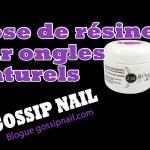Pose de résine sur ongles naturels