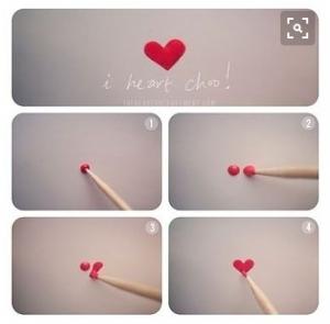 nail-art-faire-un-coeur