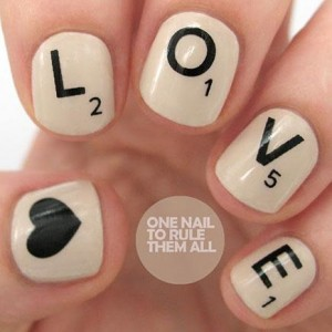 scrabble-love-nailart