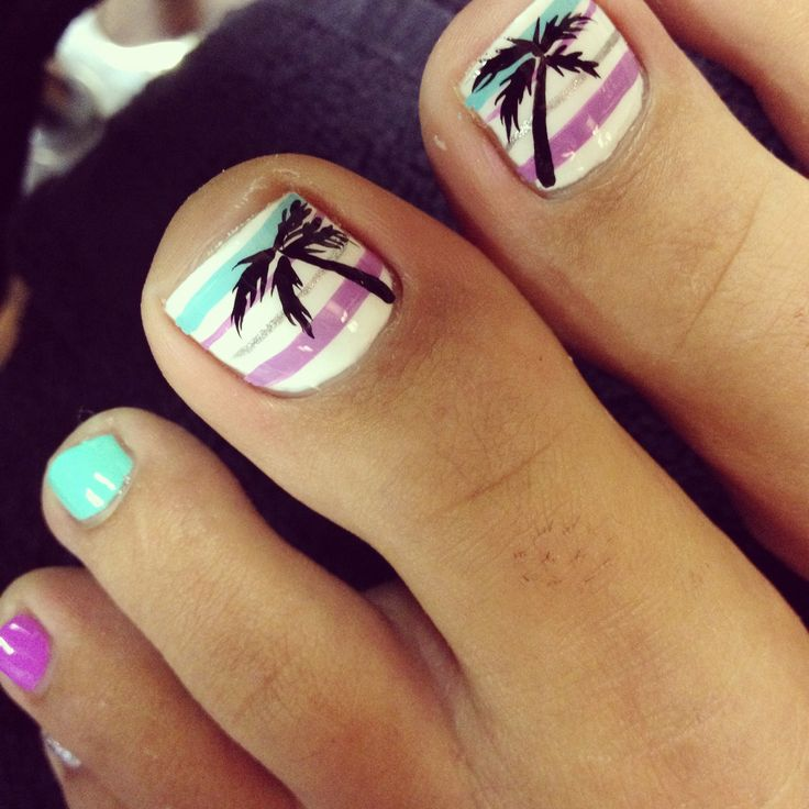 Beach-Toe-Nail-Design