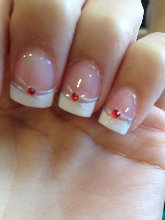 nail art mariage avec bijoux rouge
