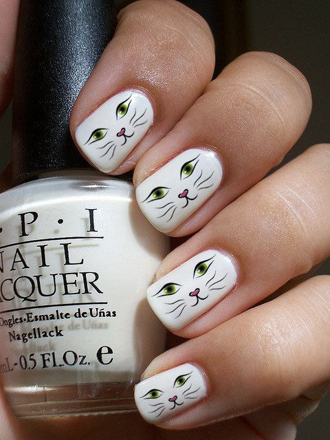 nail art yeux de chat