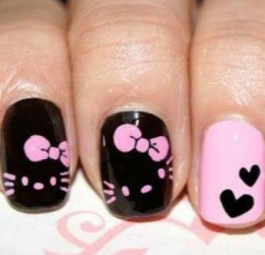 hello kitty nail-art