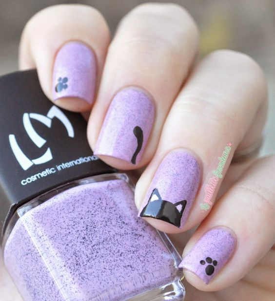 Nail art chat mauve