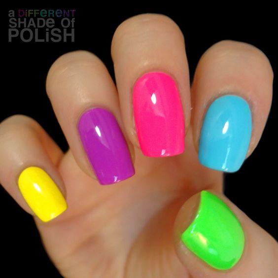 ongles de toutes les couleurs