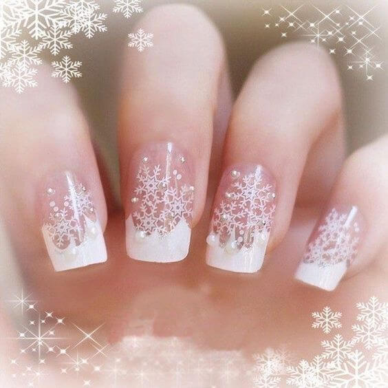 nail art flocon de neige blanc