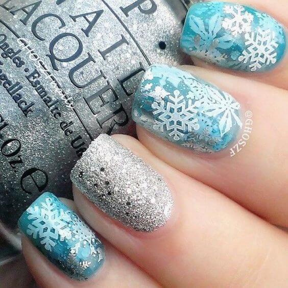 nail art flocon de neige bleu turquoise