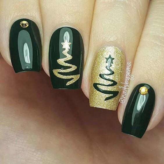 nail art sapin epuré vert