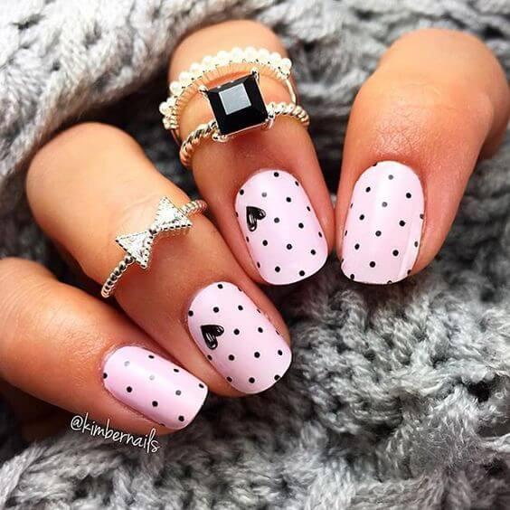 nail art saint valentin rose noir coeur
