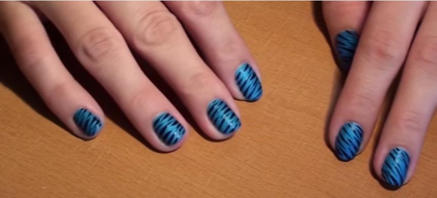 divajoly-nail-art-zebre-bleu-noir
