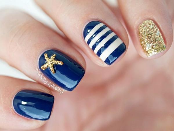 nail-art-marin-bleu