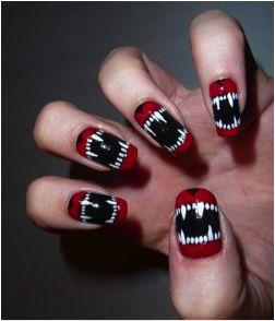 halloween-nail-art-vampire
