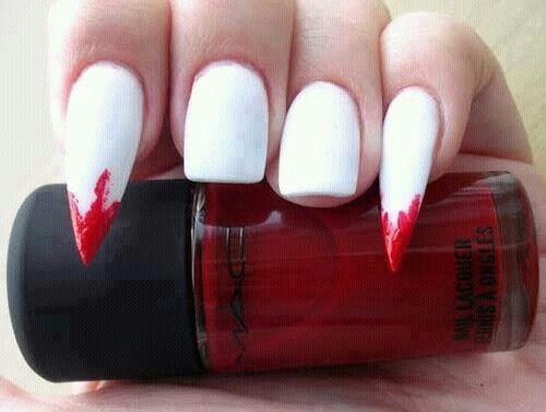 nail-art-vampire-dents