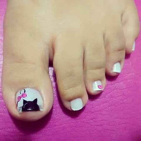 nail art chat sur orteil