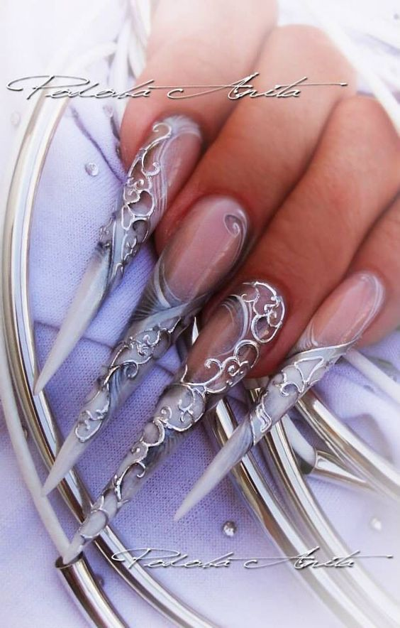 stiletto nails 3D white gold