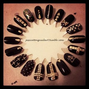 stud nails exemples gold